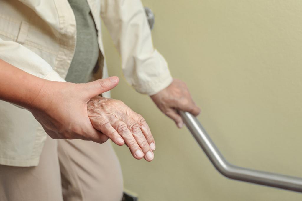 罹患肌少症的年長女性